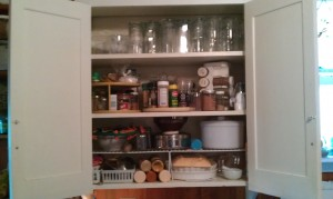 Full kitchen cabinet